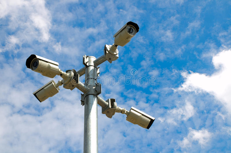 Камера слежения с голубым небом стоковые изображения