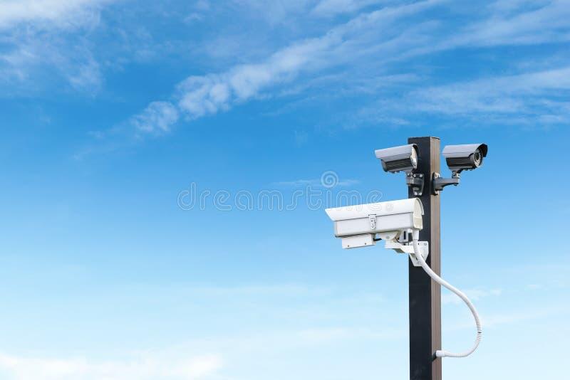 Камера слежения cctv безопасностью с космосом экземпляра стоковое фото rf