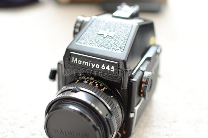 Камера фильма формата Mamiya 645 средств стоковое изображение rf