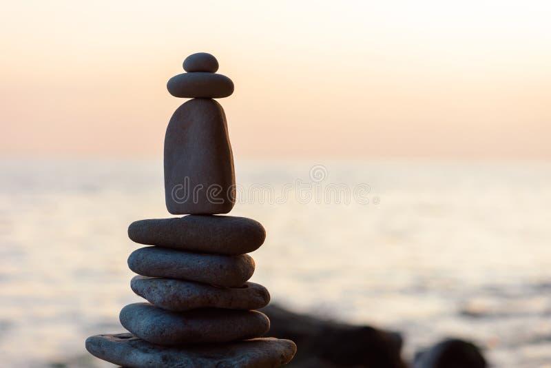 Камешки на seashore стоковые изображения rf