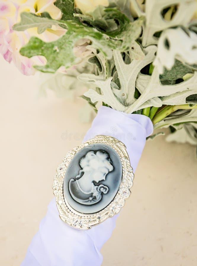 Камея на bridal букете стоковое изображение rf