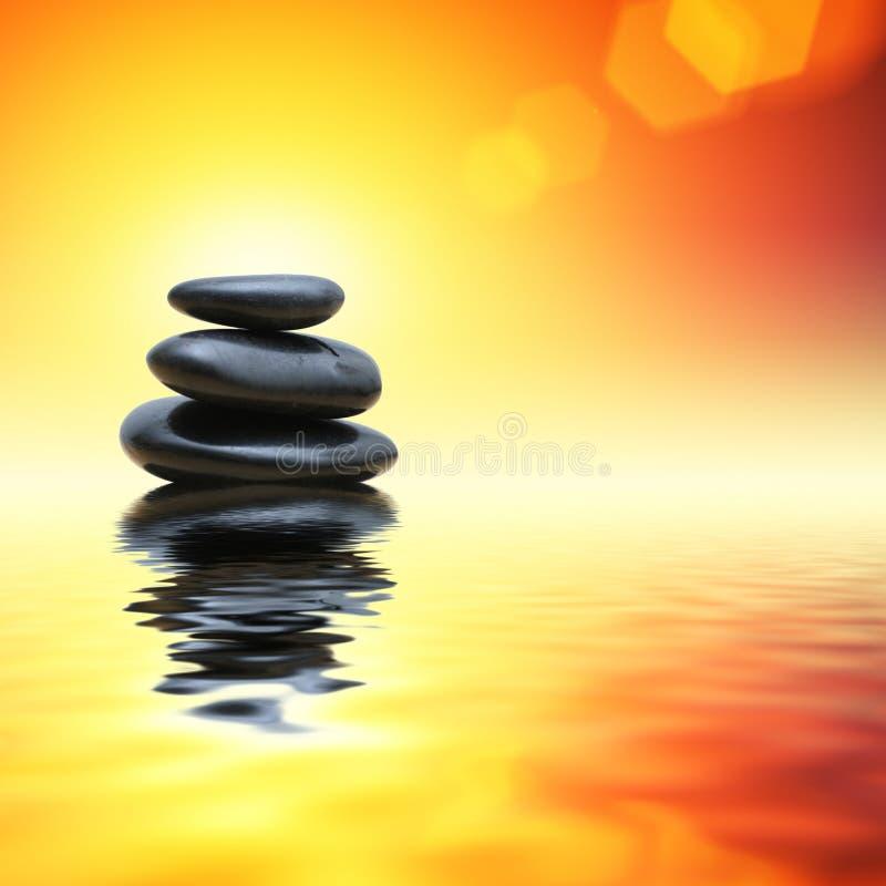 Камни в воде стоковая фотография