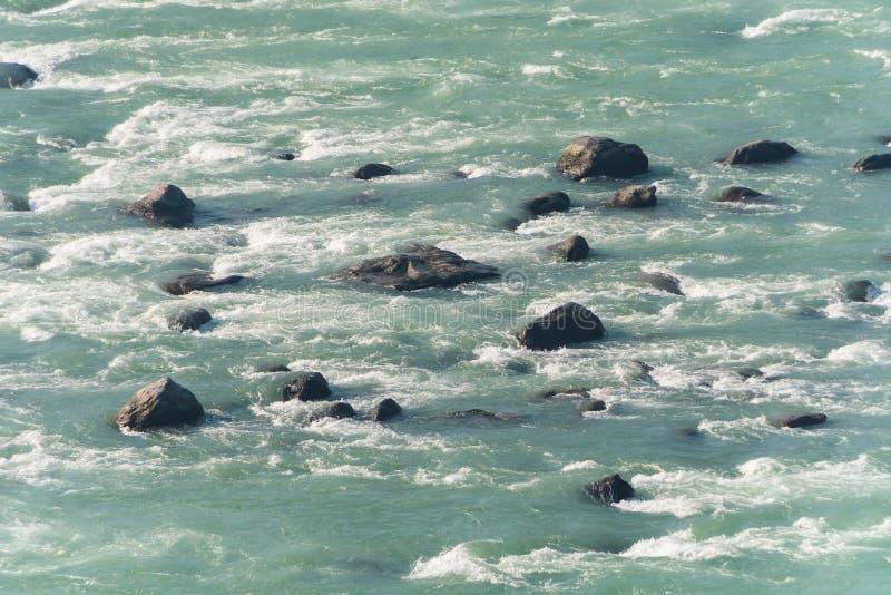 камни в Ганге стоковое изображение
