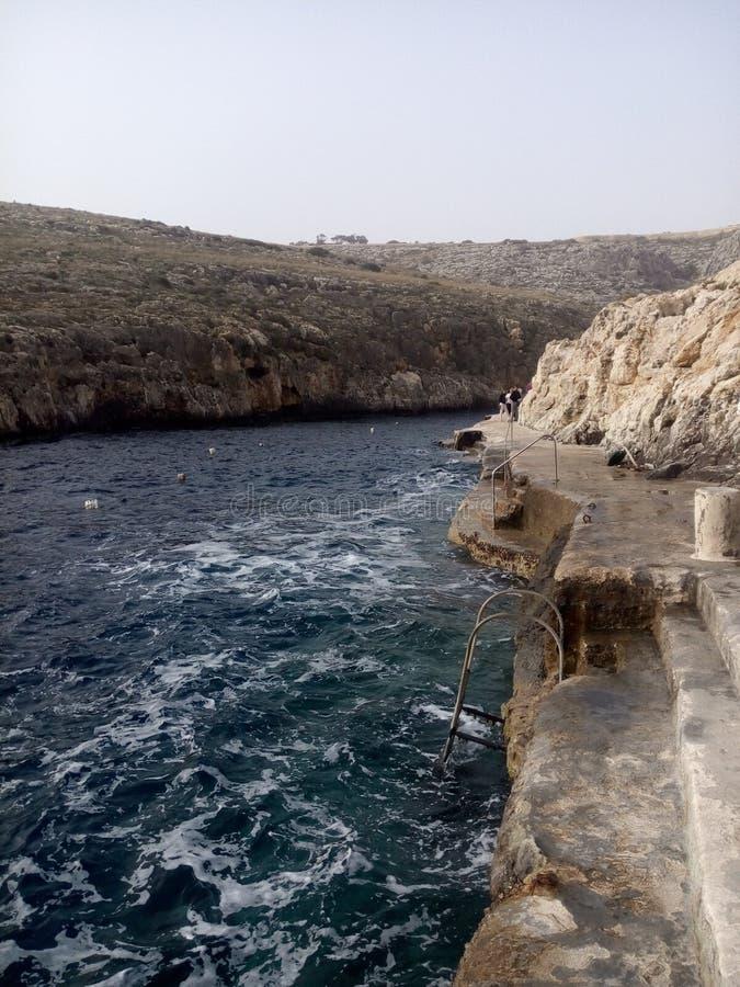 Камни морского побережья среднеземноморские стоковое фото