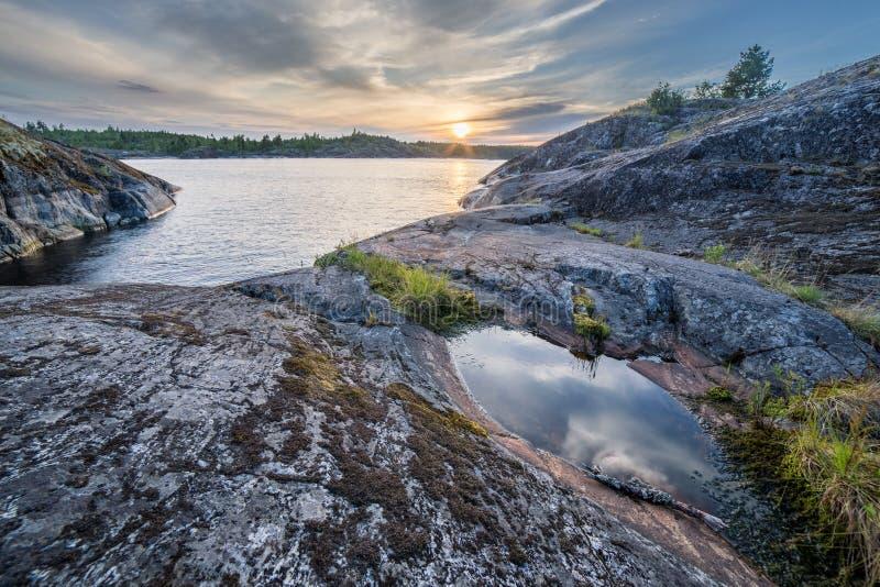 Камни на озере Ladoga в Karelia стоковое фото