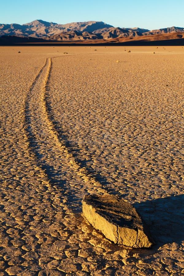 Камни плавания Death Valley стоковые фото