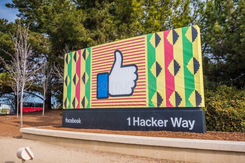 Кампус штабов Facebook корпоративный подписывает внутри Кремниевую долину стоковые изображения