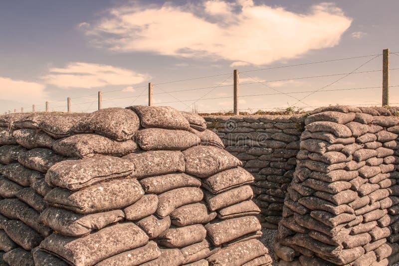 Канавы мешков с песком Первая мировой войны в Бельгии стоковое фото