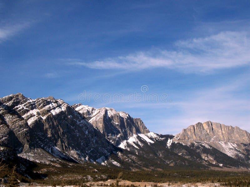 канадские горы утесистые стоковые фото