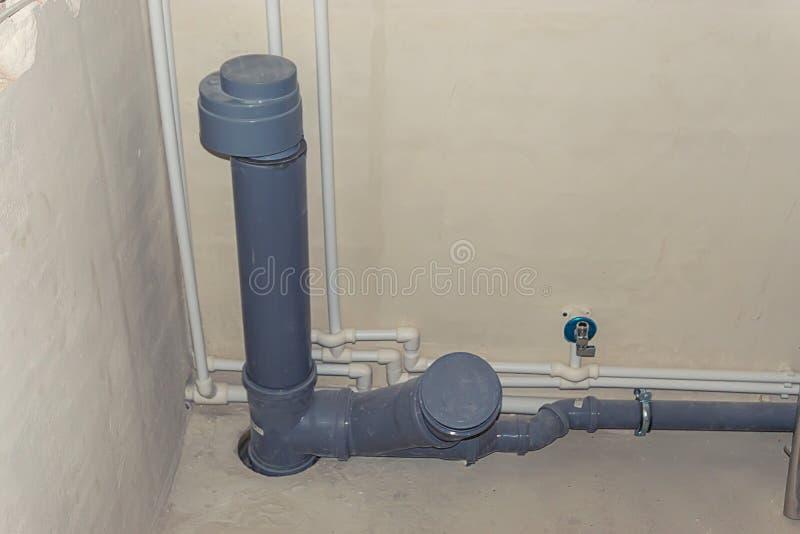 Канализационные трубы на здании стоковое изображение