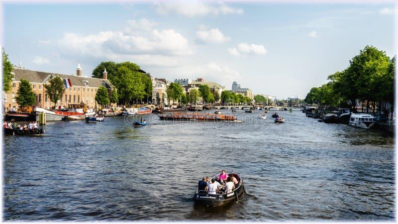 Каналы и мосты Амстердама стоковые фотографии rf