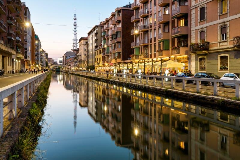 Канал в вечере, милан Naviglio большой, Италия стоковые изображения rf