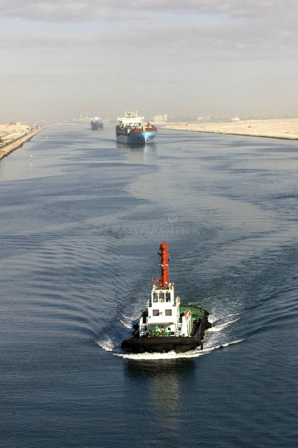 канал проходя корабль suez стоковые фото