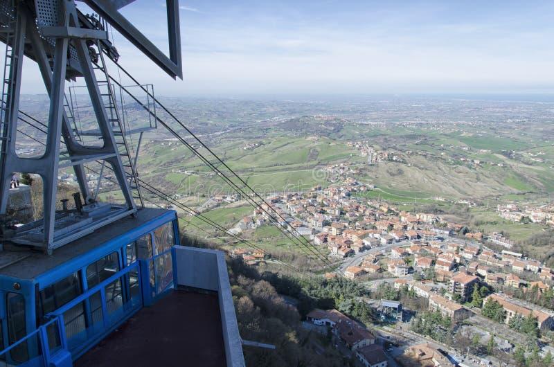 Канатная дорога Сан-Марино стоковые фотографии rf
