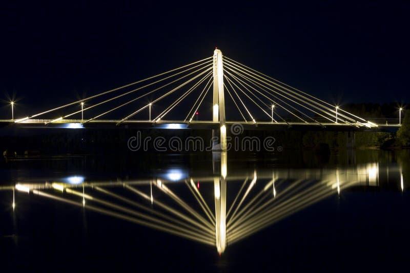 Канатный мост в UmeÃ¥, Швеции стоковая фотография