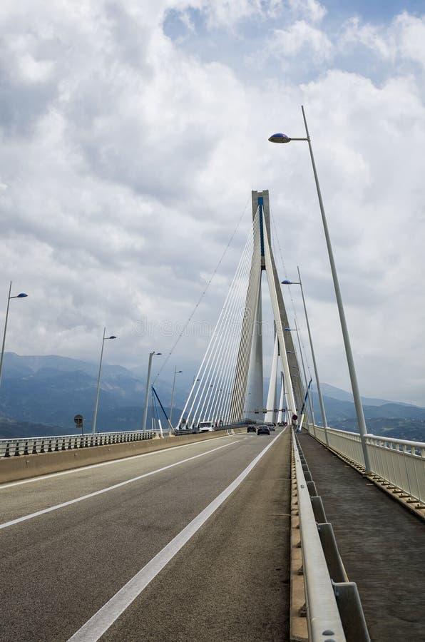 Канатный мост между Рио и Antirrio, Patra, Грецией стоковые фото