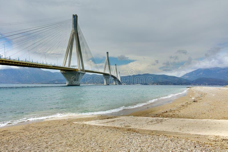 Канатный мост между Рио и Antirrio, Patra стоковые фото
