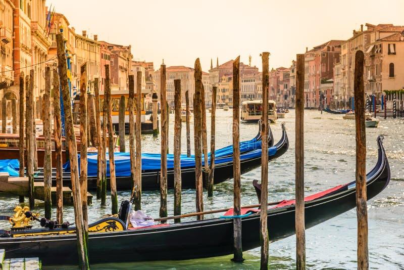 Канал с гондолами, Италия Венеции грандиозный стоковое изображение rf