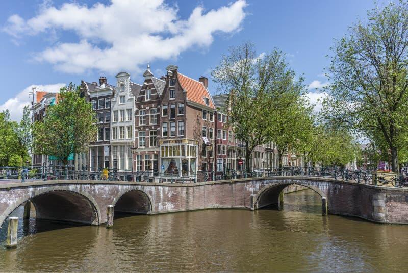 Канал Keizersgracht в Амстердаме, Нидерландах стоковые изображения rf
