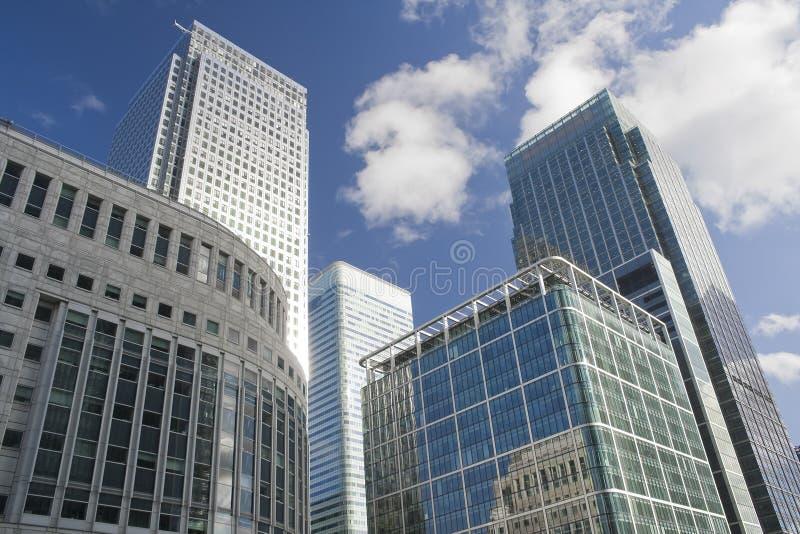 канереечный причал небоскребов london стоковое фото rf