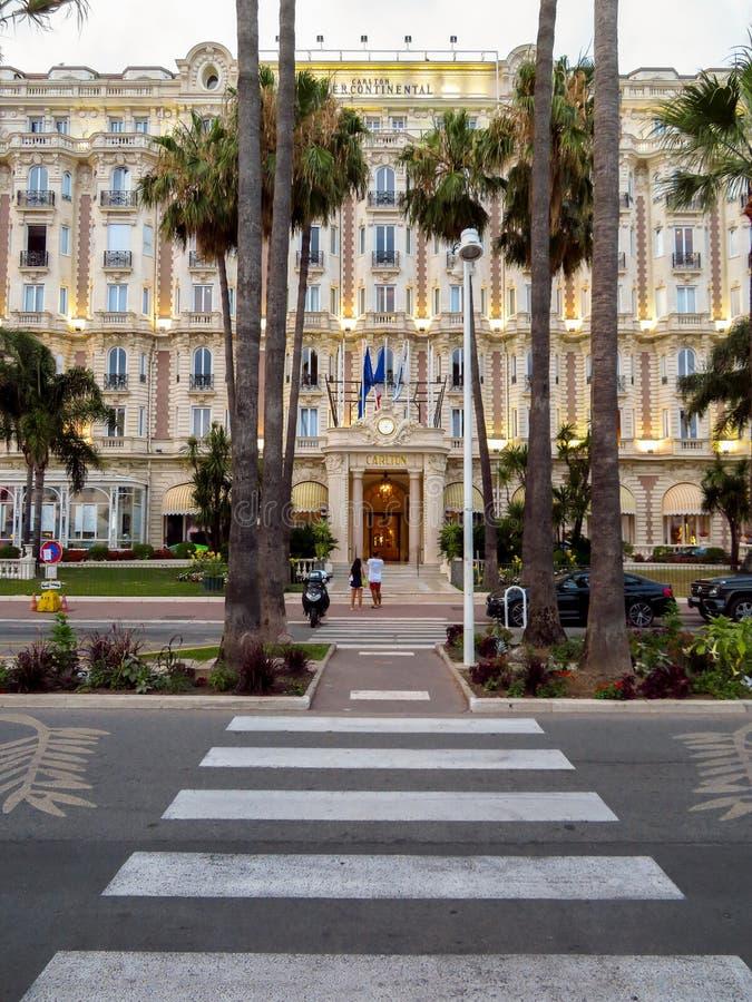 Канн-E - главный вход гостиницы Carlton стоковое фото