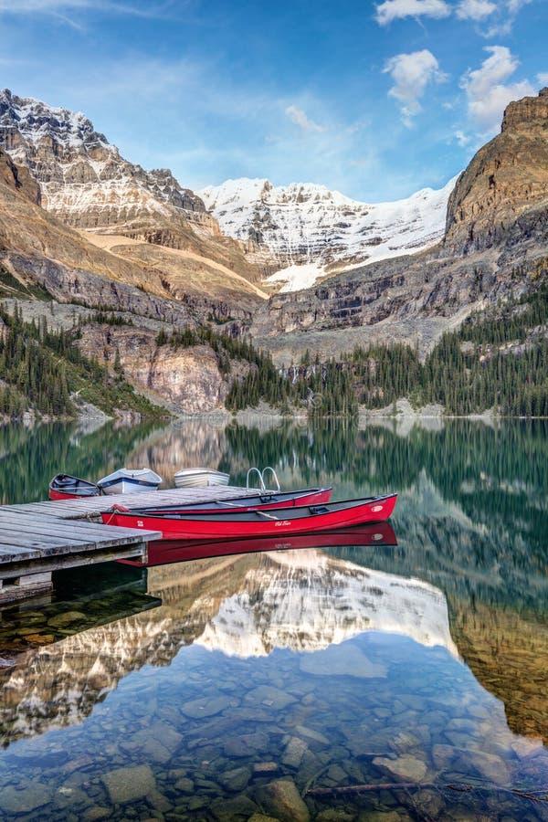 Каное красного цвета Hara ` озера o стоковые фотографии rf