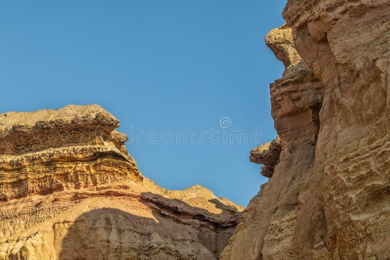 Каньоны в пустыне Namibe С солнцем вышесказанного anisette стоковое изображение rf