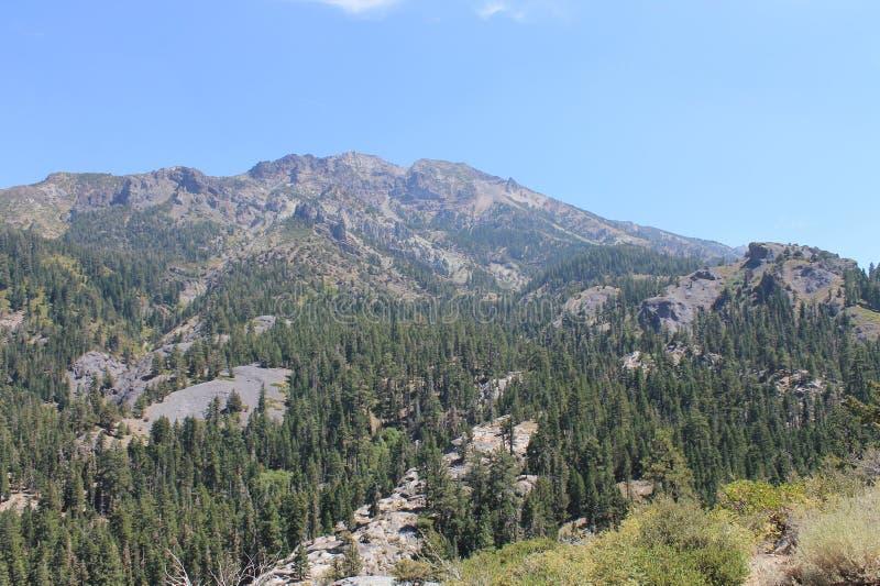 Каньон лапши и горный вид, высокие горы сьерра-невады, Калифорния стоковые изображения rf