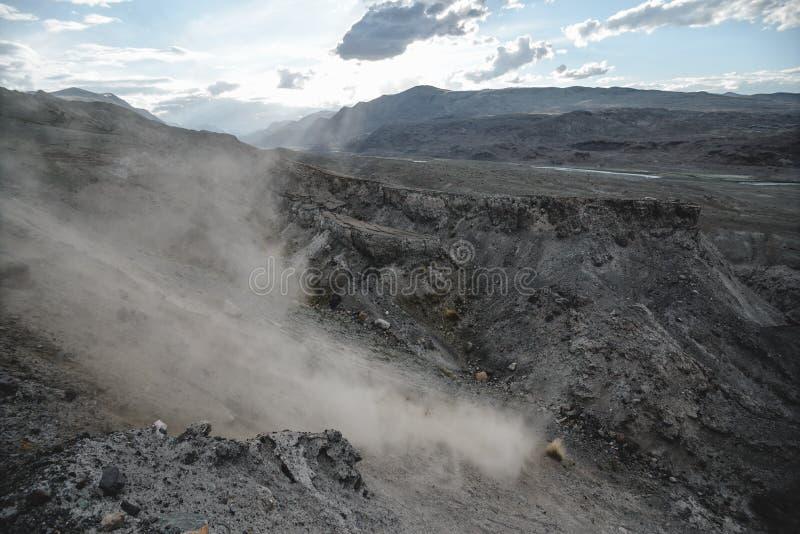 Каньон после массивнейшего землетрясения стоковые фотографии rf