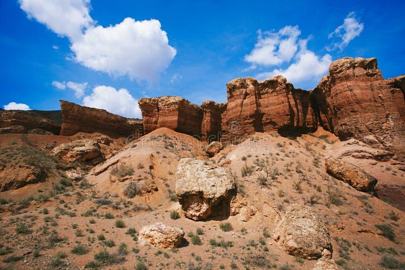 Каньон Charyn грандиозный в Казахстане стоковые изображения