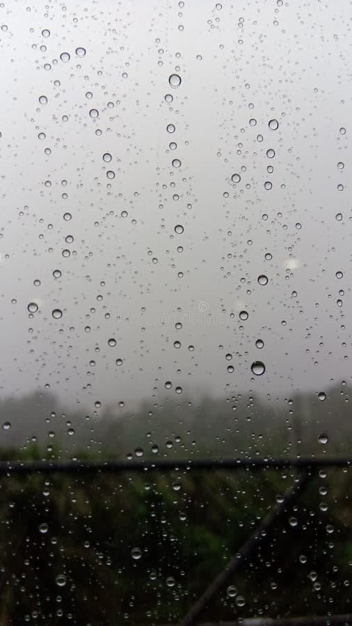 Капельки воды на зеркале стоковая фотография rf