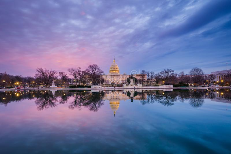 Капитолий Соединенных Штатов на заходе солнца, в Вашингтоне, DC стоковые изображения