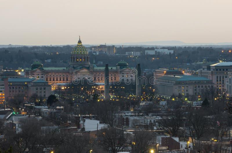 Капитолий Пенсильвании на заходе солнца стоковое изображение rf