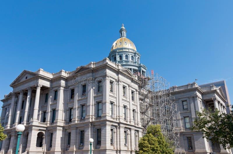 Капитолий положения Колорадо и купол золота стоковые изображения
