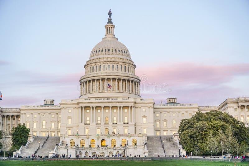 Капитолий США - одно из самых известных зданий в городе Вашингтона - DC ВАШИНГТОНА - КОЛУМБИИ - 7-ое апреля 2017 стоковая фотография rf