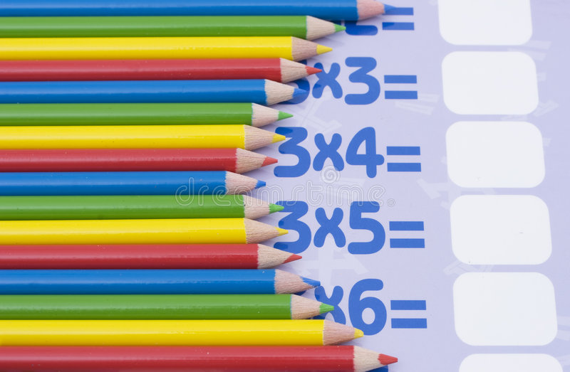 карандаши математики цвета стоковое изображение rf