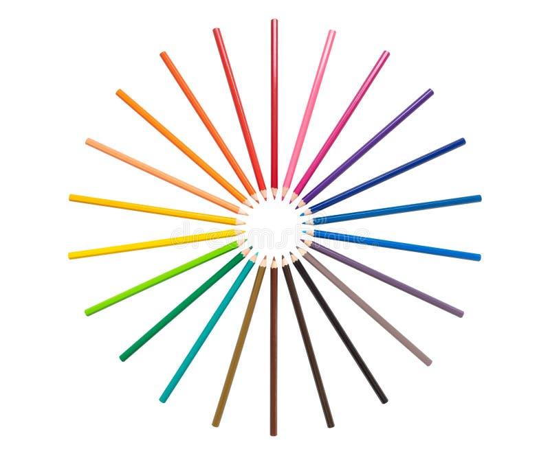 Карандаши цвета аранжируют в круге изолированном на белой предпосылке стоковое изображение