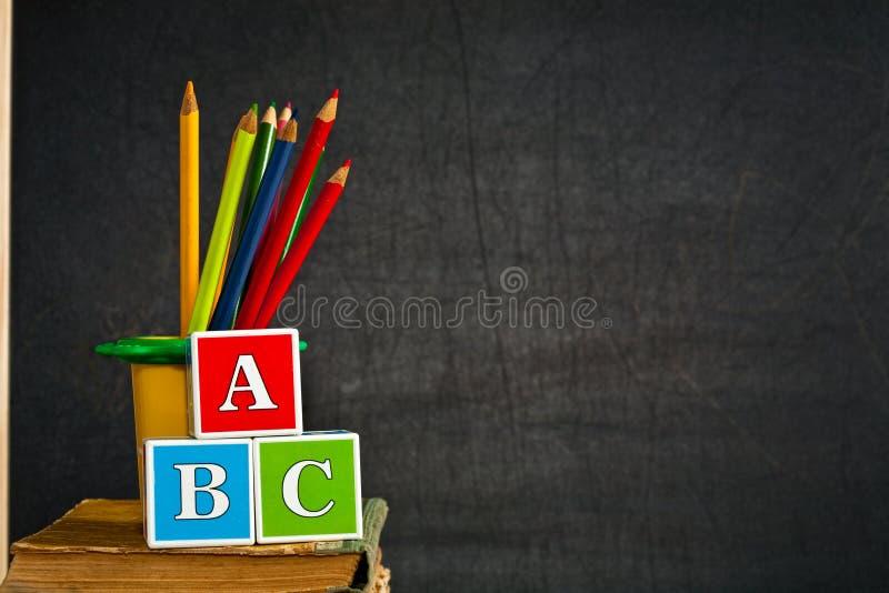 карандаш покрашенный abc стоковые фото