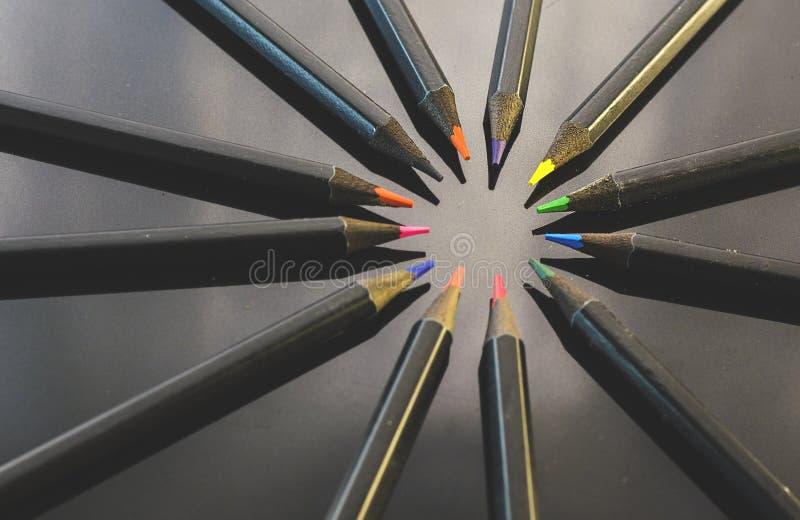 карандаши предпосылки покрашенные чернотой стоковые фото