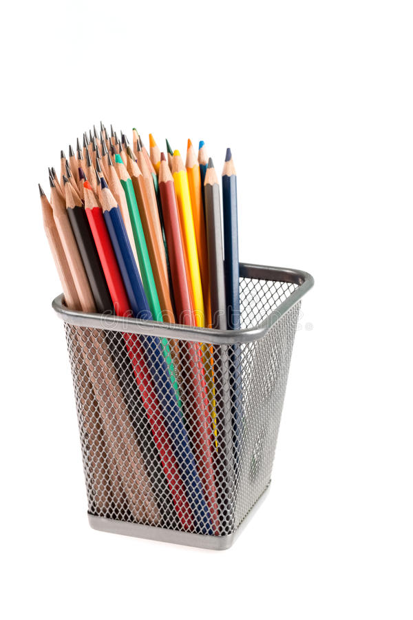 Карандаши цвета в баке металла стоковые фотографии rf