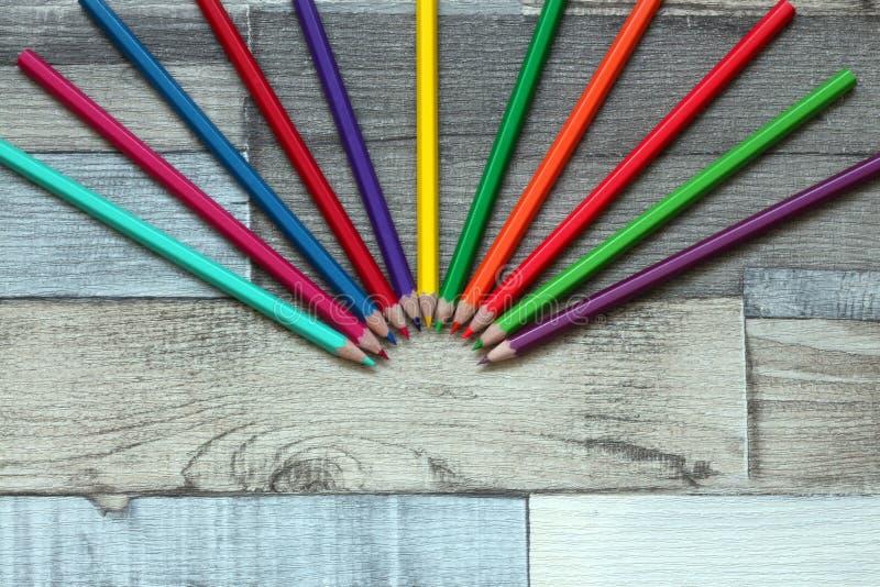 Download Карандаши цвета стоковое изображение. изображение насчитывающей рост - 81800803