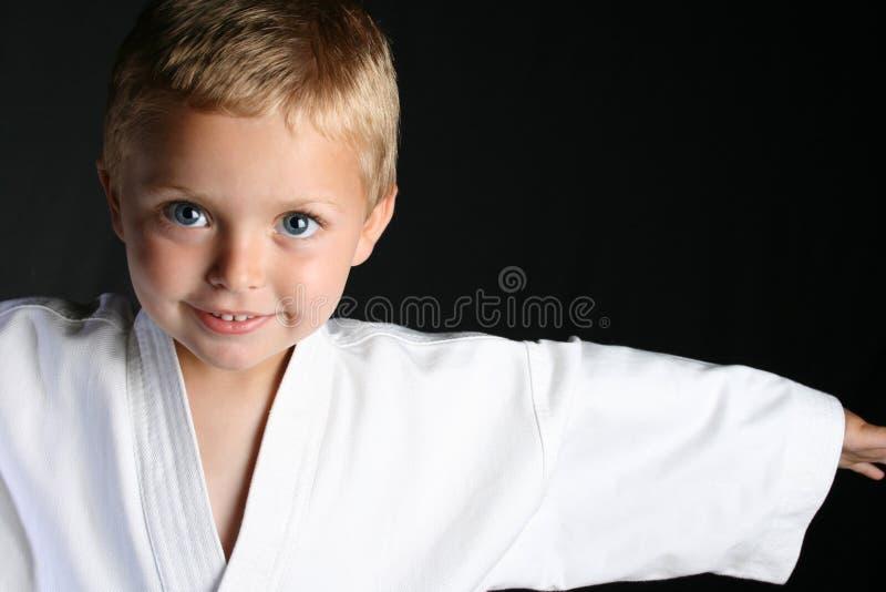 карате мальчика стоковая фотография