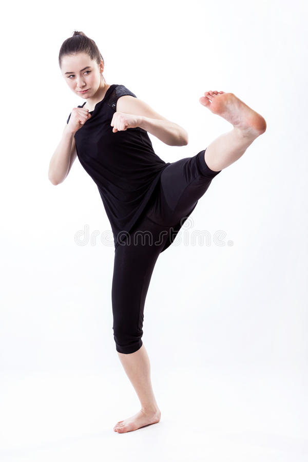 Карате тренировки женщины стоковые фото