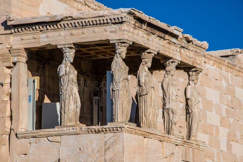 Кариатиды Erechtheion в акрополе Афинах Греции стоковая фотография