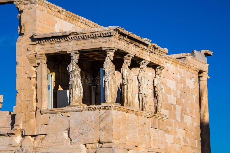 Кариатиды Erechtheion в акрополе Афинах Греции стоковое фото rf