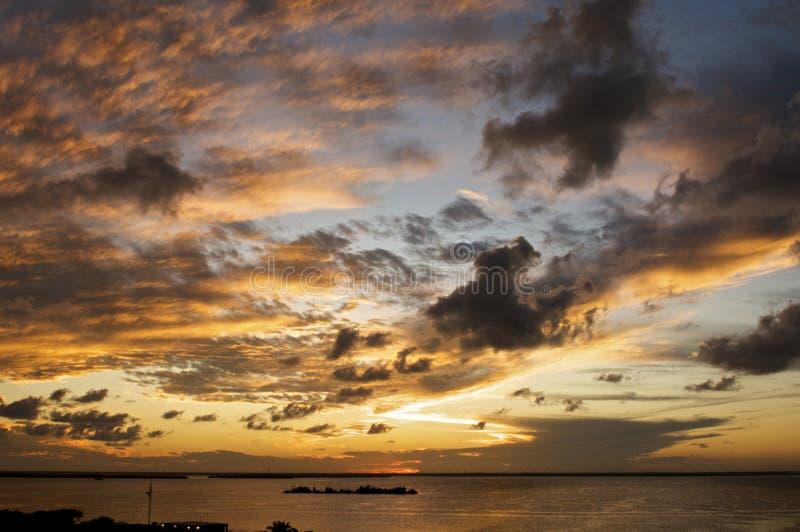 карибский заход солнца стоковые изображения
