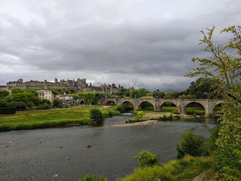 Каркассон, Франция Взгляд замка и старого моста стоковая фотография