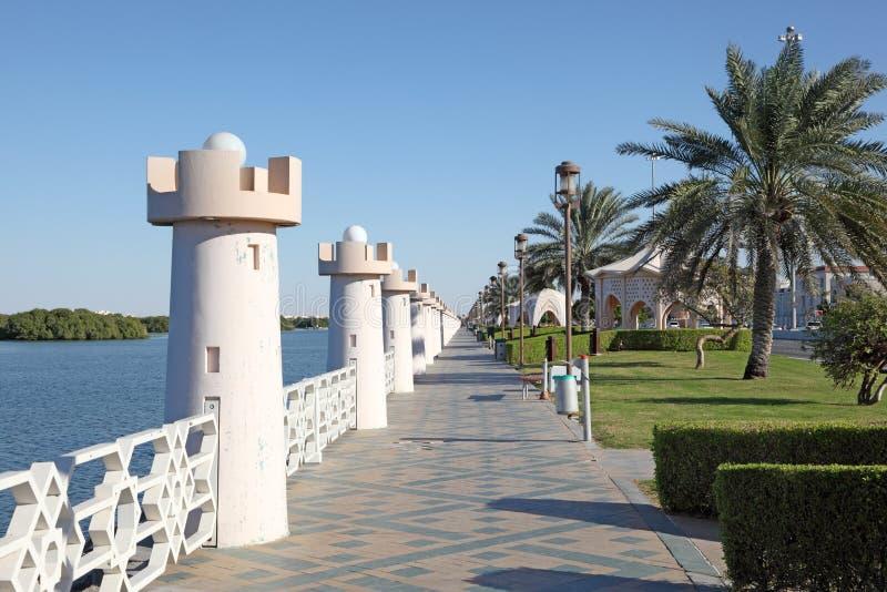 Карниз в Абу-Даби стоковое фото rf