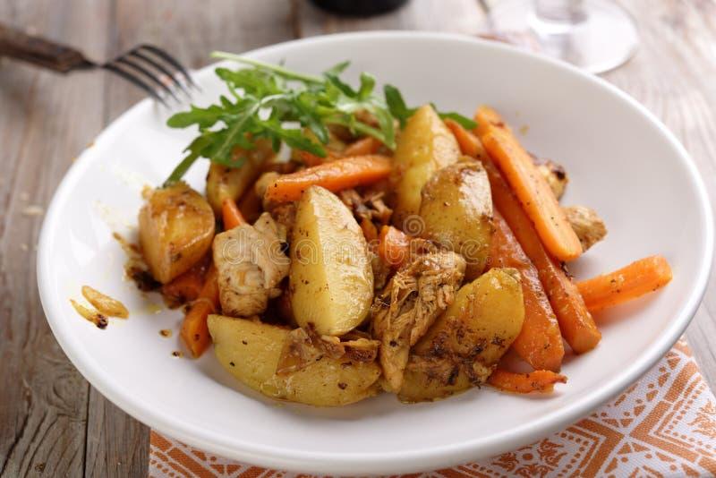 Карри цыпленка с овощами стоковая фотография
