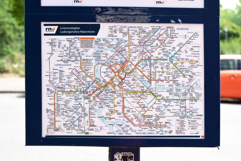 Карта всех линий автобуса и трамвая в городах Мангейма и Людвигсхафен стоковое фото